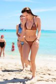 Bella Thorne (40)