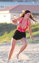 Bella Thorne (45)