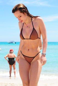 Bella Thorne (70)