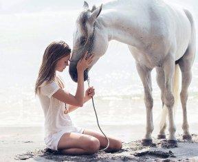 Josephine Skriver (12)