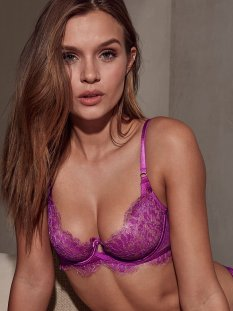 Josephine Skriver (31)