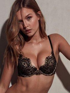Josephine Skriver (36)
