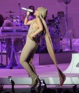 Rihanna (9)