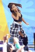 Ariana Grande (3)