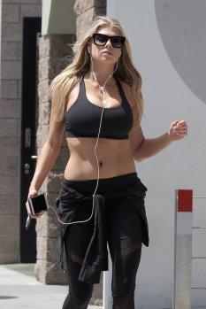 Charlotte McKinney (20)