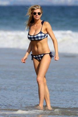 Charlotte McKinney (31)