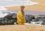Beyonce - Swimsuit Candids in Hawaii