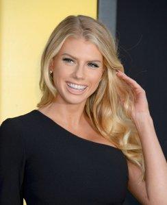 Charlotte McKinney (19)