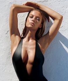 Hannah Ferguson (2)