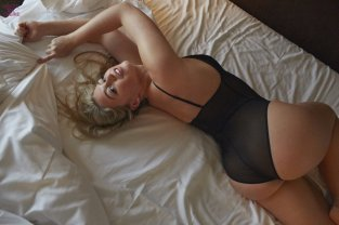 Iska Lawrence (27)