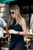 Jennifer Aniston (15)