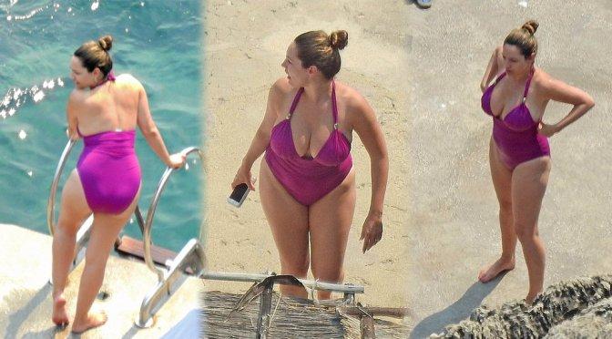 Kelly Brook – Swimsuit Candids in Capri