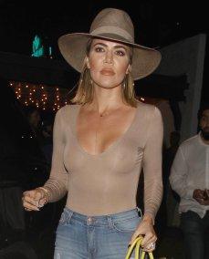 Khloe Kardashian (20)