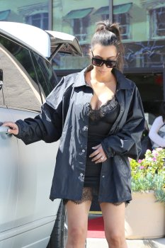 Kim Kardashian (26)