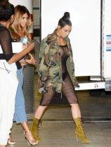 Kim Kardashian (33)