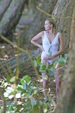 Margot Robbie (6)