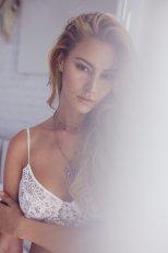 Bryana Holly (2)