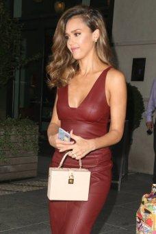 Jessica Alba (33)