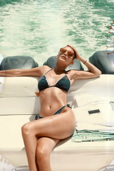 Kendall Kylie Hailey Bella (15)