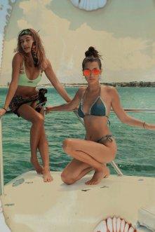Kendall Kylie Hailey Bella (5)
