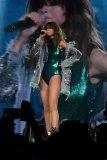 Selena Gomez (23)