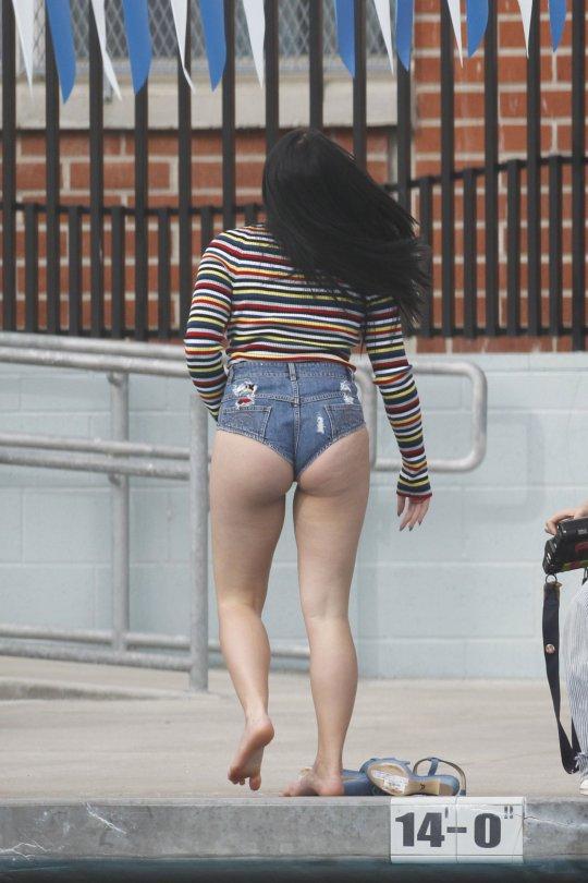 Ariel Winter - Swimsuit Photoshoot Candids in Los Angeles
