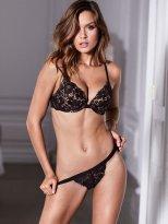 Josephine Skriver (33)