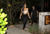 Kim Kourtney Kardashian (11)