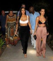 Kim Kourtney Kardashian (5)
