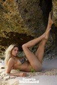 Hailey Clauson (25)