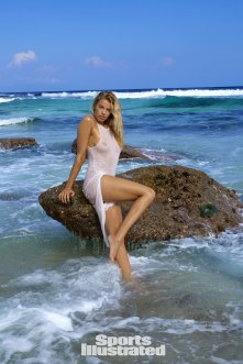 Hailey Clauson (47)