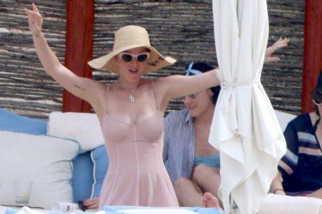 Katy Perry (40)