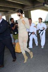 Kendall Jenner (32)