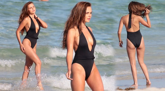 Xenia Deli – Swimsuit Photoshoot Candids in Miami