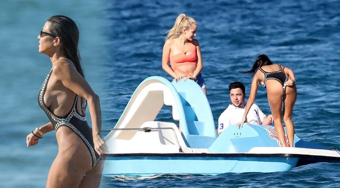 Kourtney Kardashian – Swimsuit Candids in St. Tropez