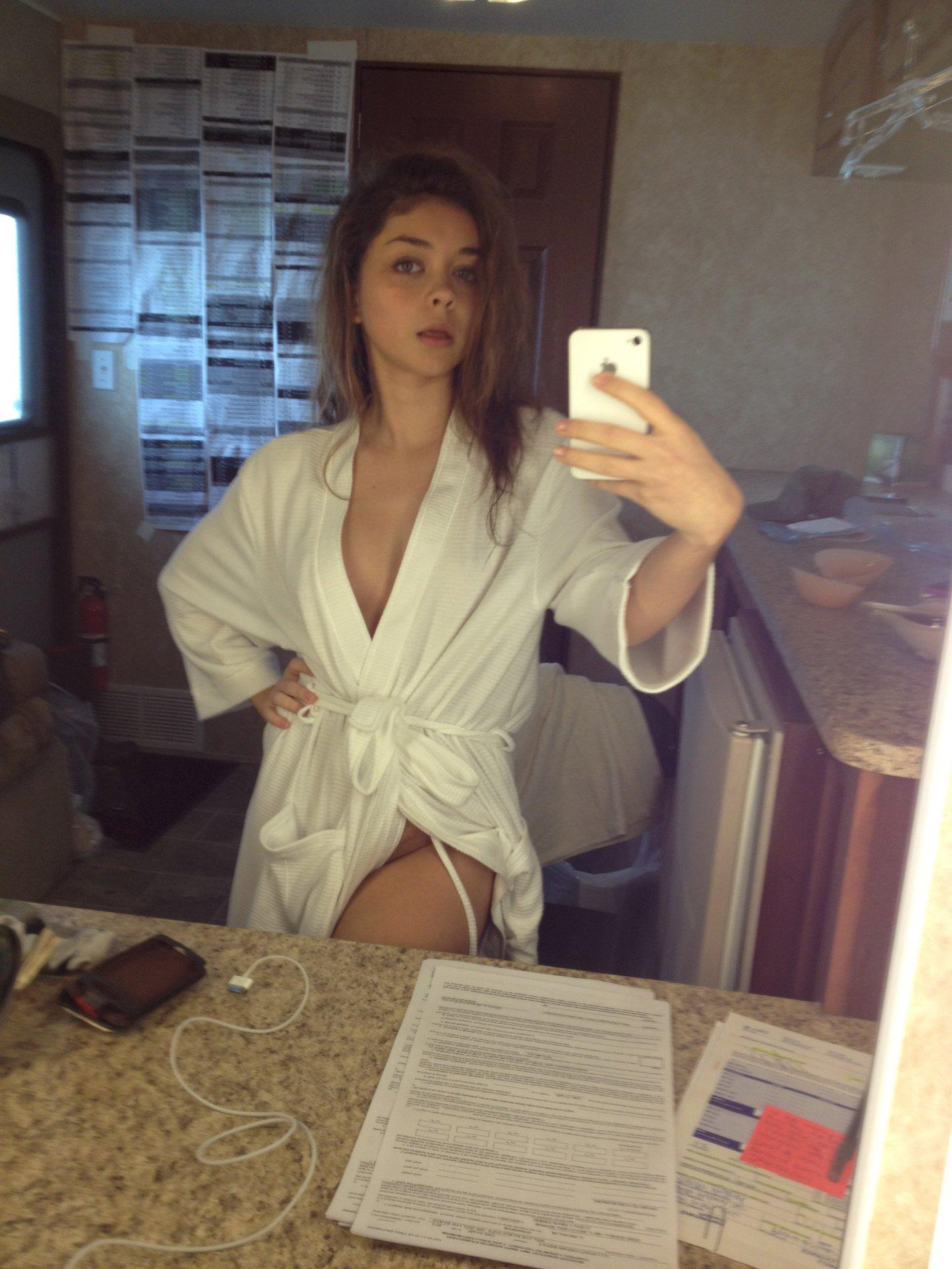 Nude pics sarah hyland