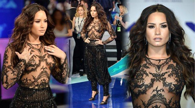Demi Lovato – 2017 MTV Video Music Awards in Los Angeles