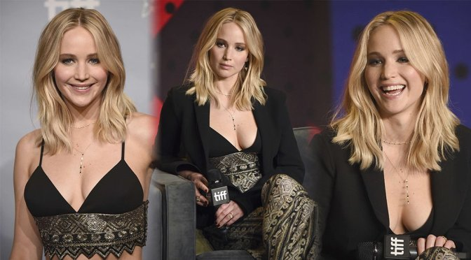 """Jennifer Lawrence – """"Mother!"""" Photocall in Toronto"""