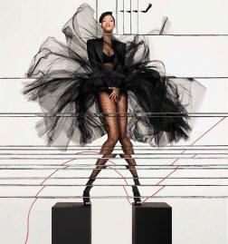 Rihanna ()