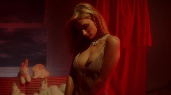 Paris Hilton – Love Advent 2017