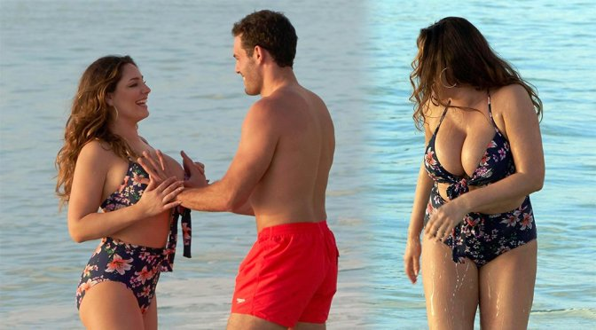 Kelly Brook Boobs Bikini