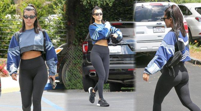 Kourtney Kardashian – Candids in Calabasas