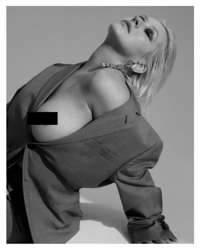 Christina Aguilera Topless Censored