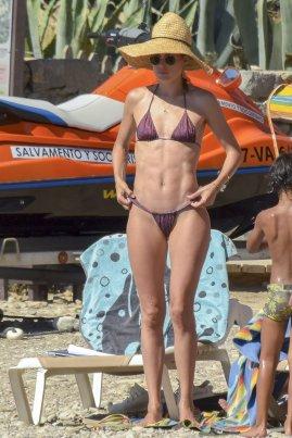Doutzen Kroes Thong Bikini