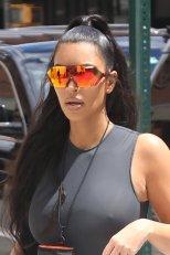 Kim Kardashian Braless Pokies