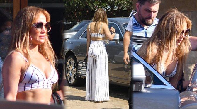 Jennifer Lopez – Candids in Malibu