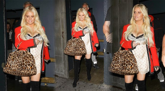 Jessica Simpson – Cleavage Candids in Hollywood