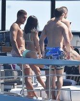 Kourtney Kardashian Sexy Bikini