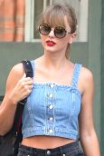 Taylor Swift Leggy