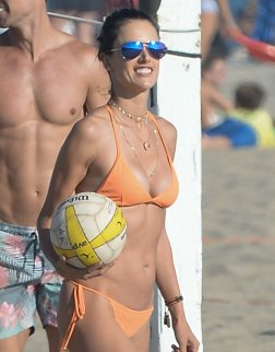 Alessandra Ambrosio Sexy Bikini On Beach In La